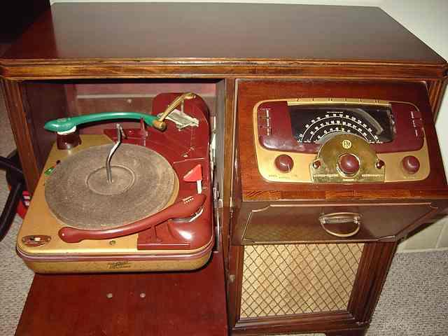 Radio by zenith year models Zenith Royal